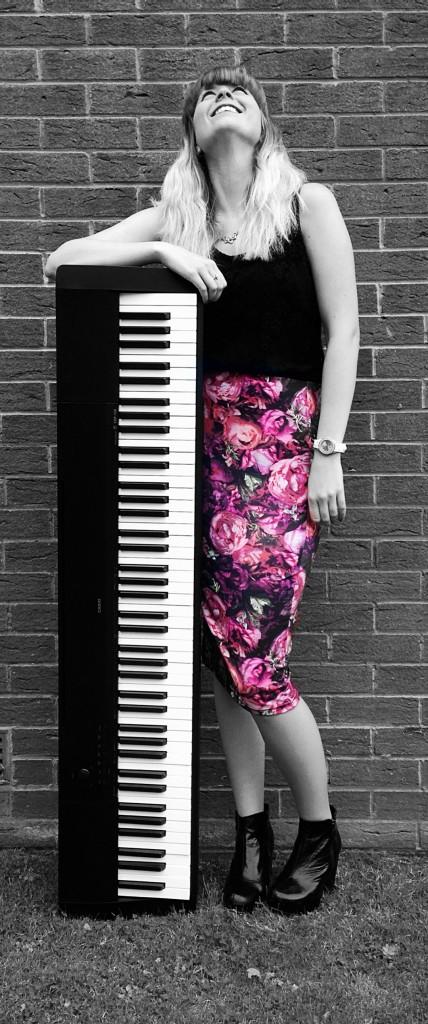 Tina Piano 3013